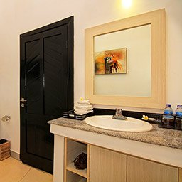 En-suite bathroom comes with full amenities to ensure you will have a good bathing time during your stay.