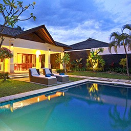 An ideal selection for family or group vacation, Deluxe Pool Villa makes your experience stay longer by a large private swimming pool and beautiful tropical garden compound.