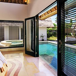 The moment, when a private pool is exactly in front of your bedroom. Executive Pool Villa invite you to experience expansive 500 sqm area with extensive pool, living area and kitchenette, with full amenities.
