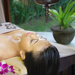 Get FREE 1.5 hours Shirodhara treatment at luxury spa villas, Lagoon Spa Seminyak by booking this special spa stay package. Shirodhara is a worldwide famous treatment inspired by ancient medical method that able to release stress and anxienty, and also boost your relaxation.