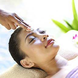Every touch and pressure on head massage by our therapist aims to calm and relax your mind as well as for the stress relief.