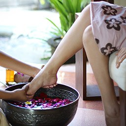 Some of our special spa package features the treatment option of foot bath ritual. Soaking foot into fresh flowers contribute to alleviate abdominal pain, headaches, and more.