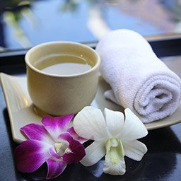 Choices of pineapple tea or ginger tea will be served to welcome you before the main treatment begins.